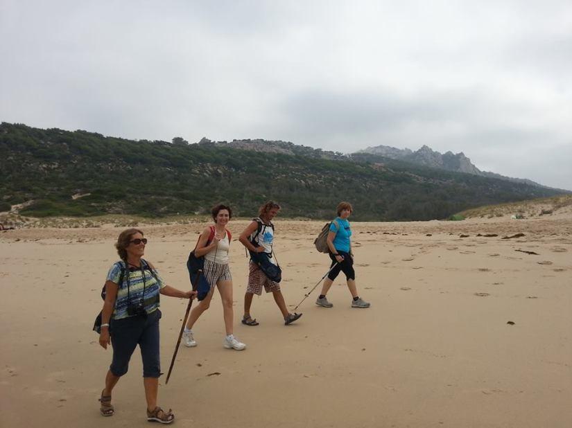 recorriendo la playa del cañuelo